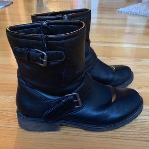 Moto Black Boots 7.5
